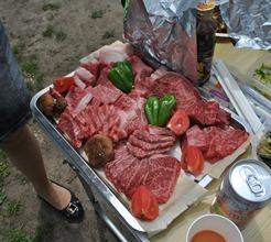 BBQは肉屋さんでうまい肉を調達しましょう。